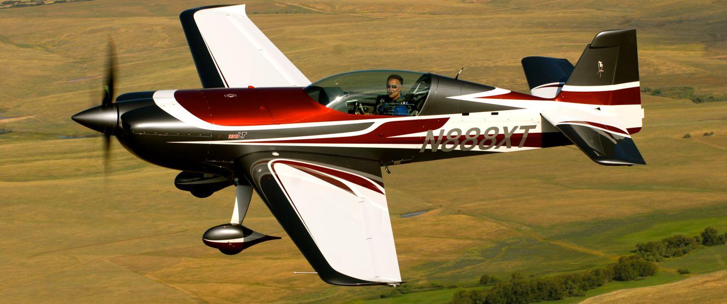 Extra 330lt 169 Extra Flugzeugproduktions Und Vertriebs