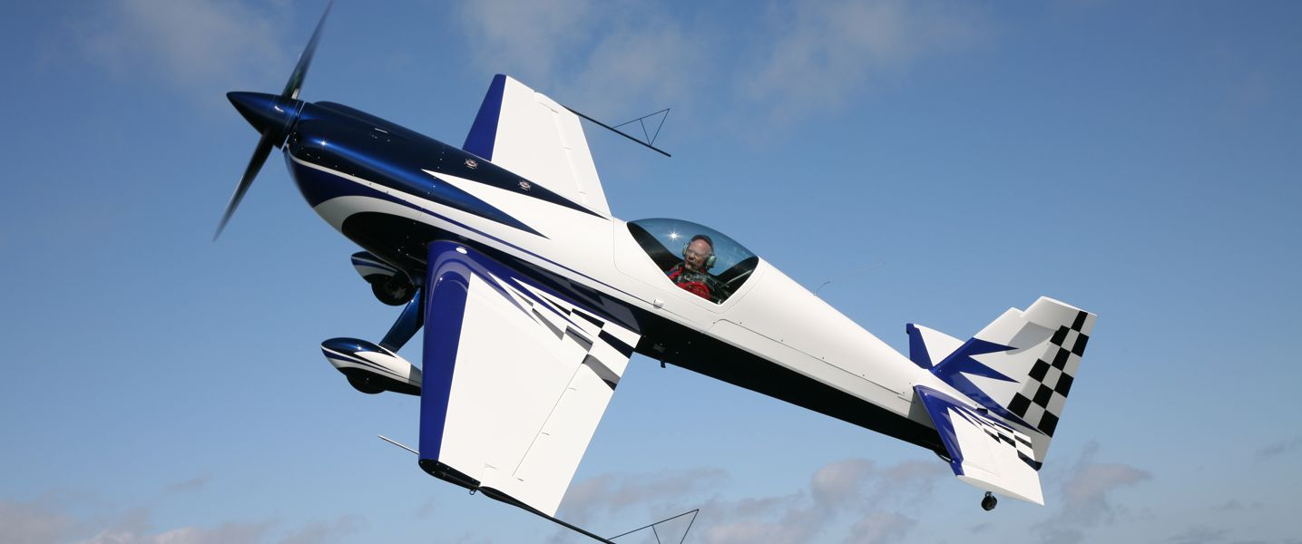 Extra 330sc 169 Extra Flugzeugproduktions Und Vertriebs